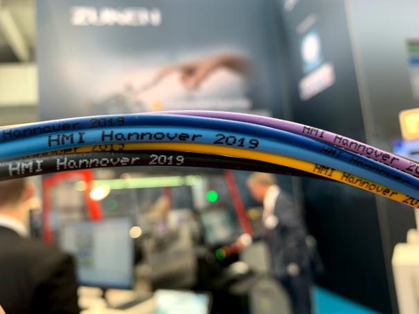 Zukenブースを訪れた方にプレゼントされた、E3.cableで製作したオリジナルのワイヤバンドル