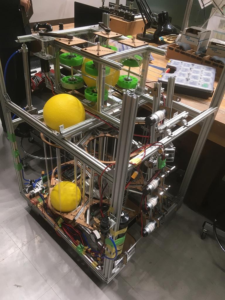 ニューヨーク大会に向けて制作中だったロボット